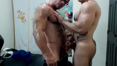 amateur gays  ass  bodybuilder